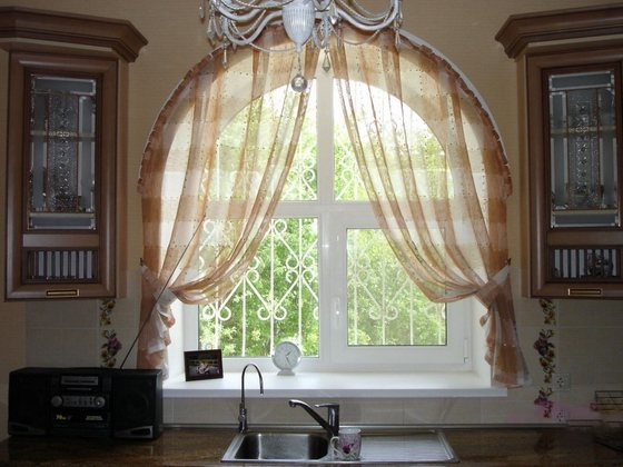 Индивидуальный дизайн окон может превратить ваш дом из обычного в уникальный